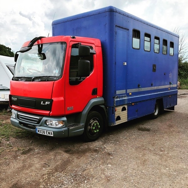 2008 5 horse compact 7.5t
