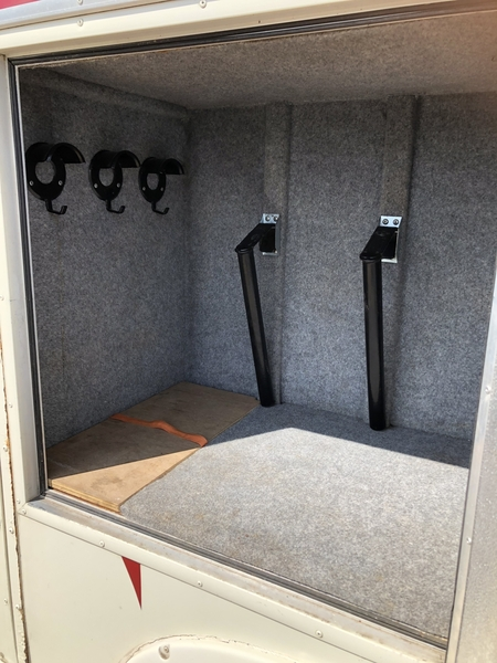 Horsebox 3.5t with full wall and accommodation