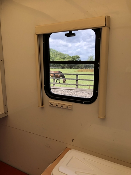 Horsebox 3.5 with separate living area