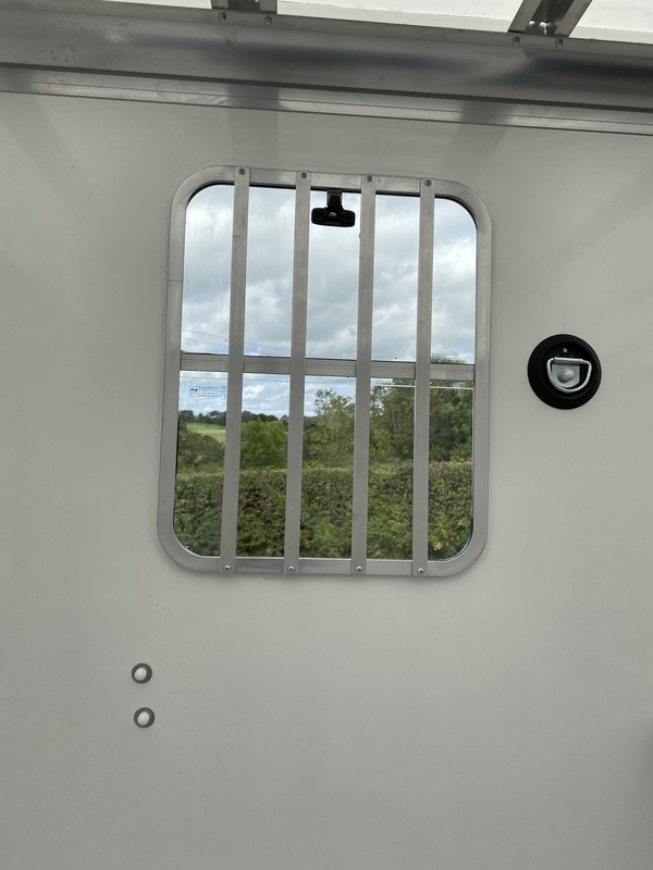 Brand new build horsebox 3.5t